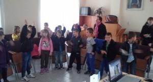 Първокласници от Шумен хапнаха мед и слушаха лекция по апитерапия