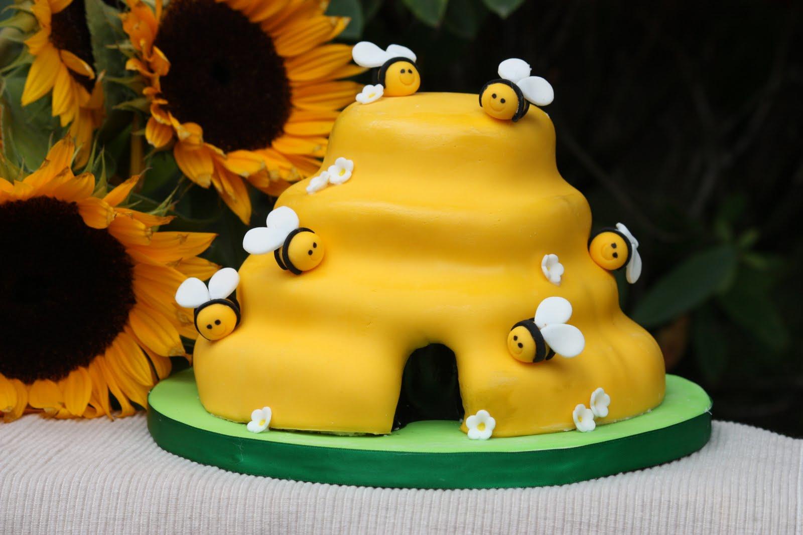 Bumble-Bee-Cake-Ideas